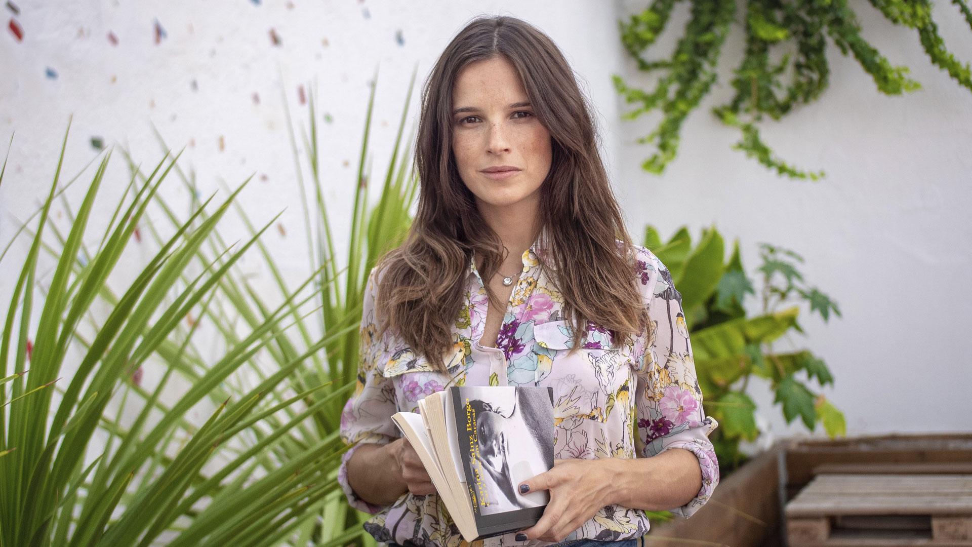 """Filipa Martins lê o excerto favorito de """"Cai a Noite em Caracas"""""""