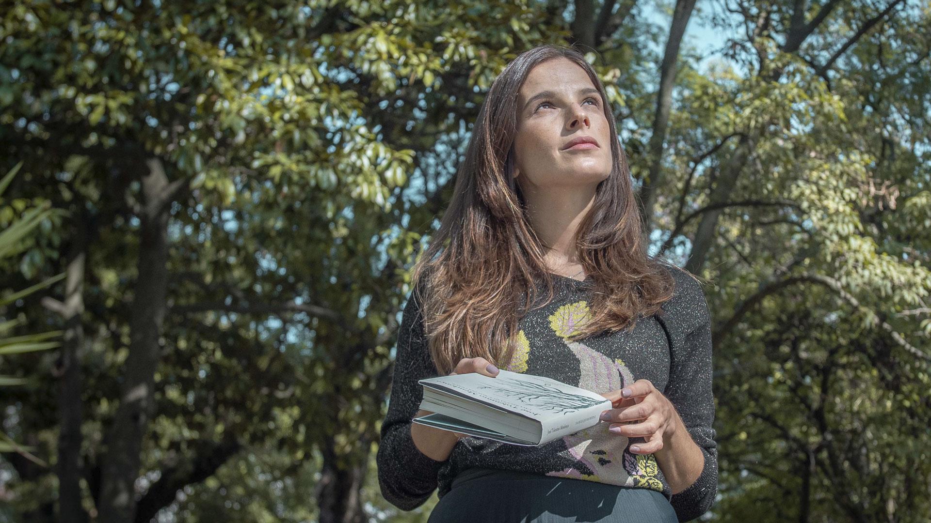 """Filipa Martins lê o excerto favorito de """"Uma Beleza Que Nos Pertence"""""""