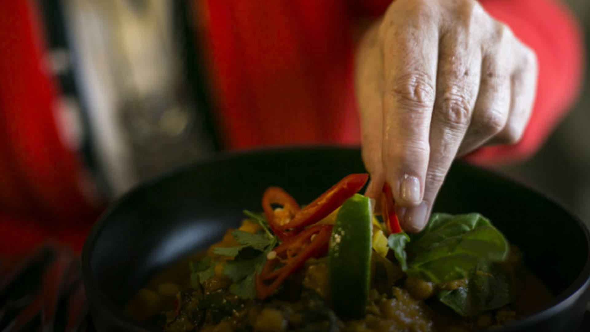 Mão-Cheia: o restaurante que tem chefs com mais de 65 anos